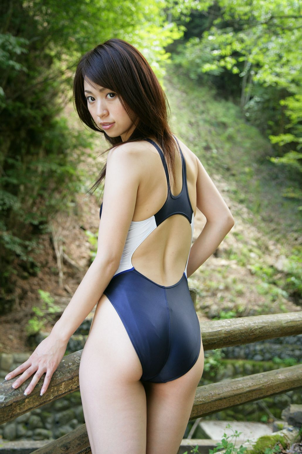 asian-young-butt-naked